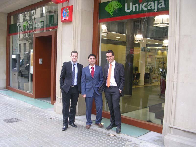 Unicaja unicaja abre oficina en barcelona for Unicaja barcelona oficinas
