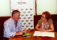 Manuel Vallejo, Alcalde de Quesada, y Carmen Espín, Presidenta de la Fundación Unicaja Jaén